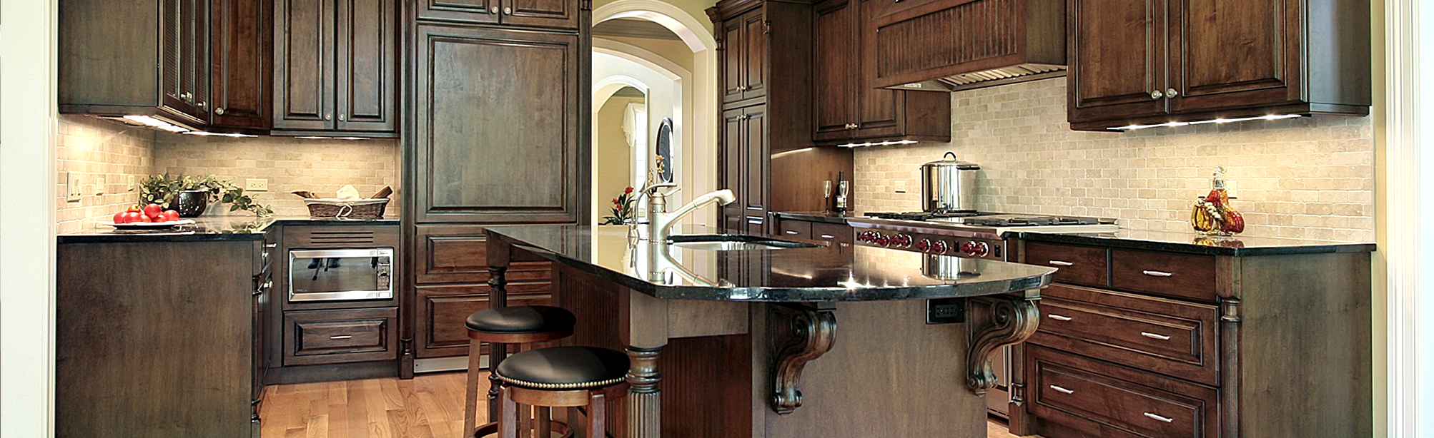 dark-cabinets-Kitchen-Remodeling
