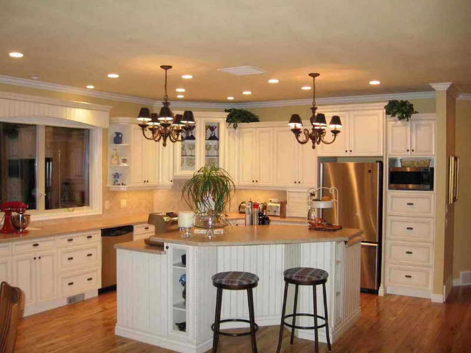 Kitchen remodeling contractor cabinets counters flooring for Renovating kitchen units