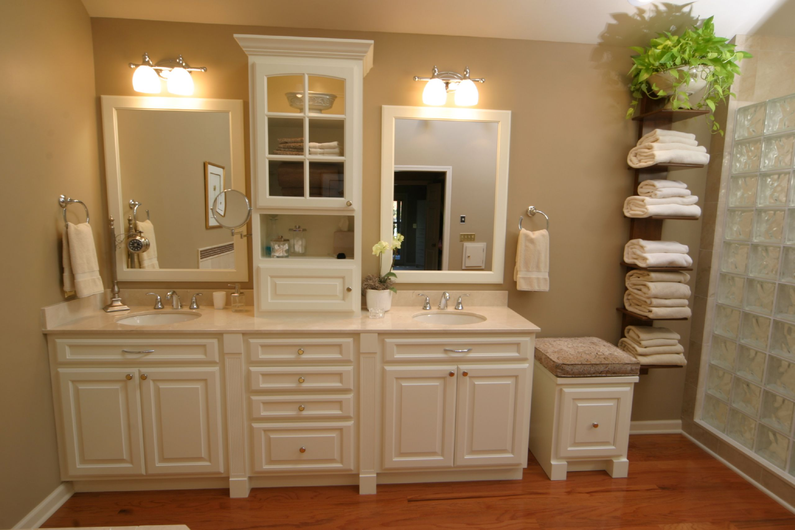 Bathroom remodeling bath remodel contractor for Bathroom cabinet ideas photos